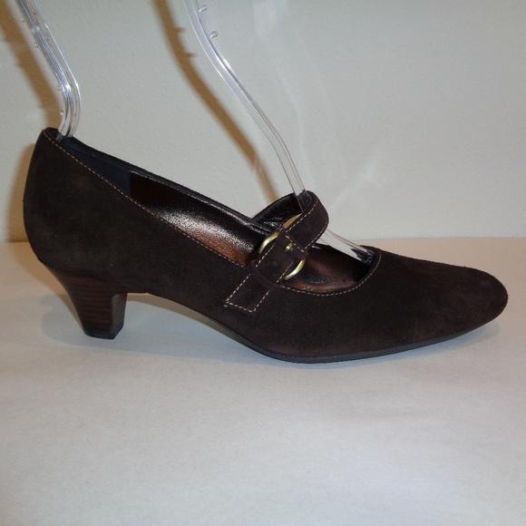 Ecco Size 7 to 7.5 Eur 38 Brown Suede New Heels Boutique
